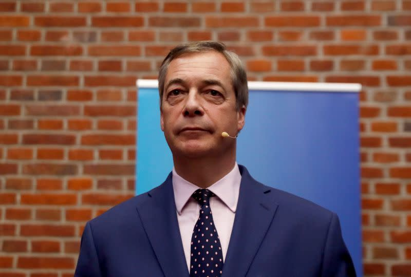 CORONAVIRUS: FARAGE CRITIQUE LE CONFINEMENT DÉCIDÉ PAR JOHNSON