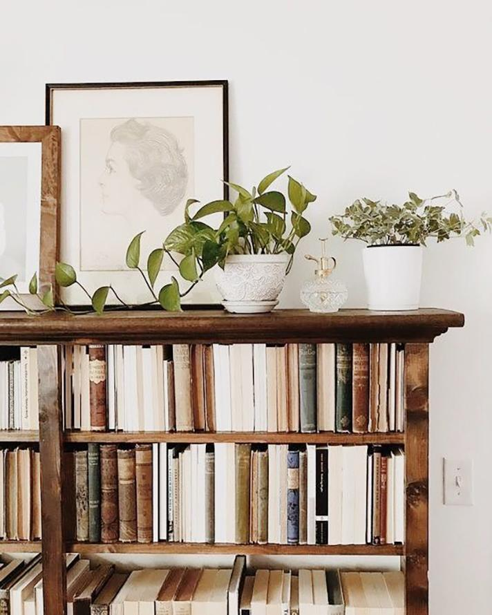 Want to line your shelf with books without disrupting your carefully curated color scheme? Flip around the ones that don't fall in-palette to hide the spines.