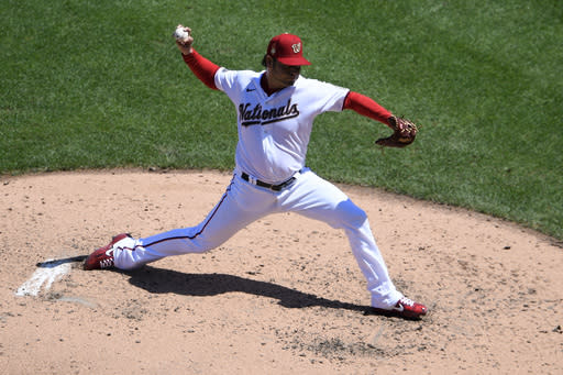 Sánchez pitches Nationals past Marlins 9-3
