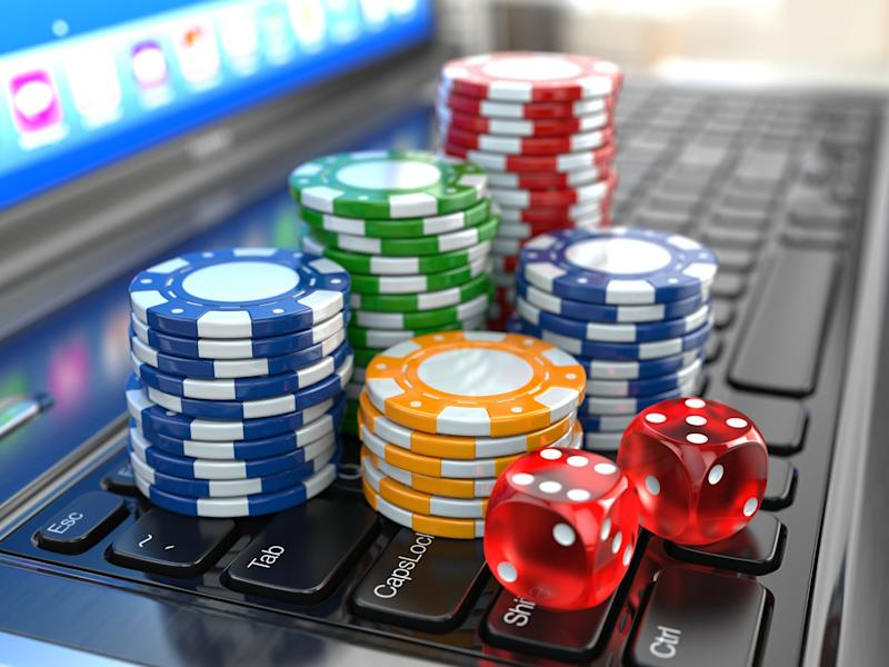 Caesars May Merge Online Casinos With Sportsbook William Hill