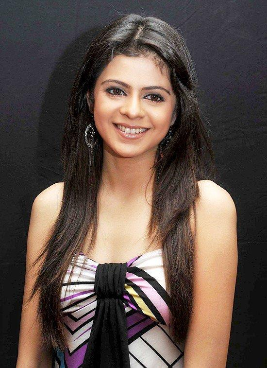 <p>The Kkusum fame actress got married at the age of 24 with Mumbai based businessman Mitul Sanghavi thus bidding goodbye to her television career. While her fans thought she wanted to enjoy marital bliss, she was following her in-law and husband's orders. Not too long into the wedding and Rucha fled her marital home on account of domestic violence. She has been divorced since April 2013. </p>