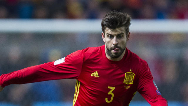 The Barcelona defender deserves better than to be whistled at by his own national team fans, according to Spain's head coach