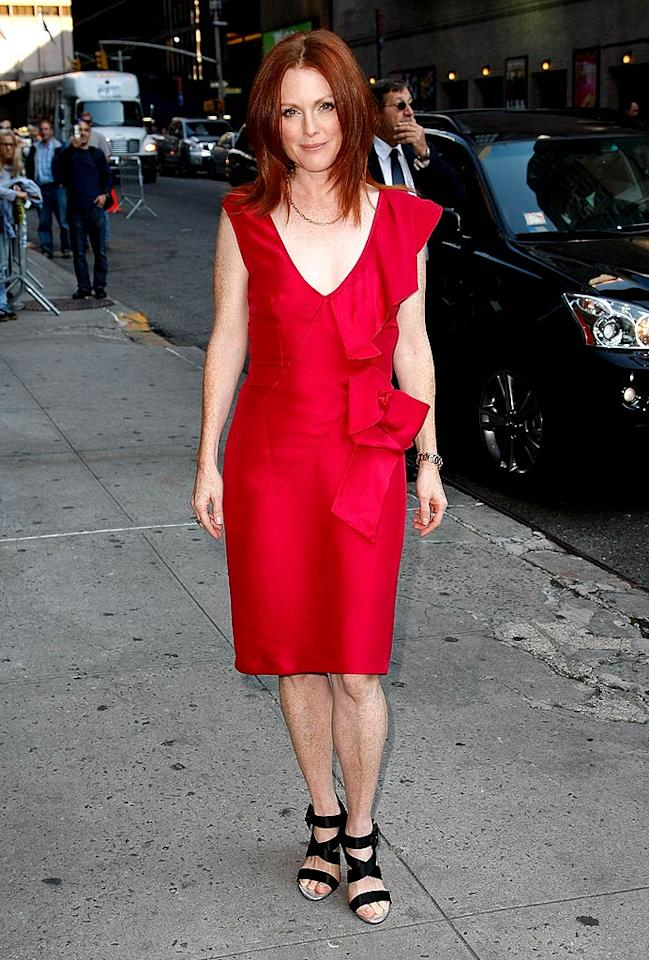 "Julianne Moore proved that redheads can wear red. Jeffrey Ufberg/<a href=""http://www.wireimage.com"" target=""new"">WireImage.com</a> - January 29, 2009"