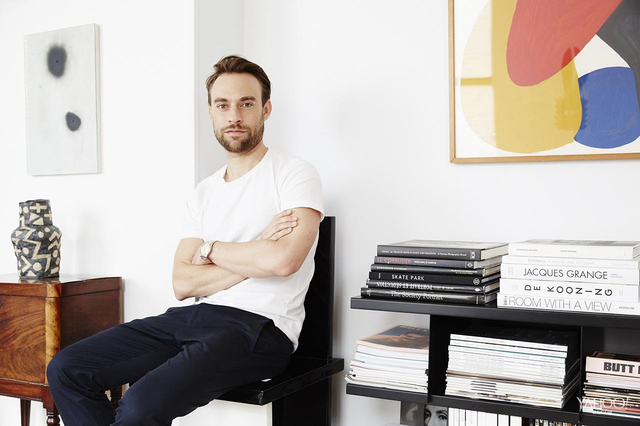 <p>Architect Reinaldo Leandro transformed his Manhattan apartment into a modern, tropical oasis, blending rich textiles with hardy houseplants and lots of lovingly collected art.<br /></p>