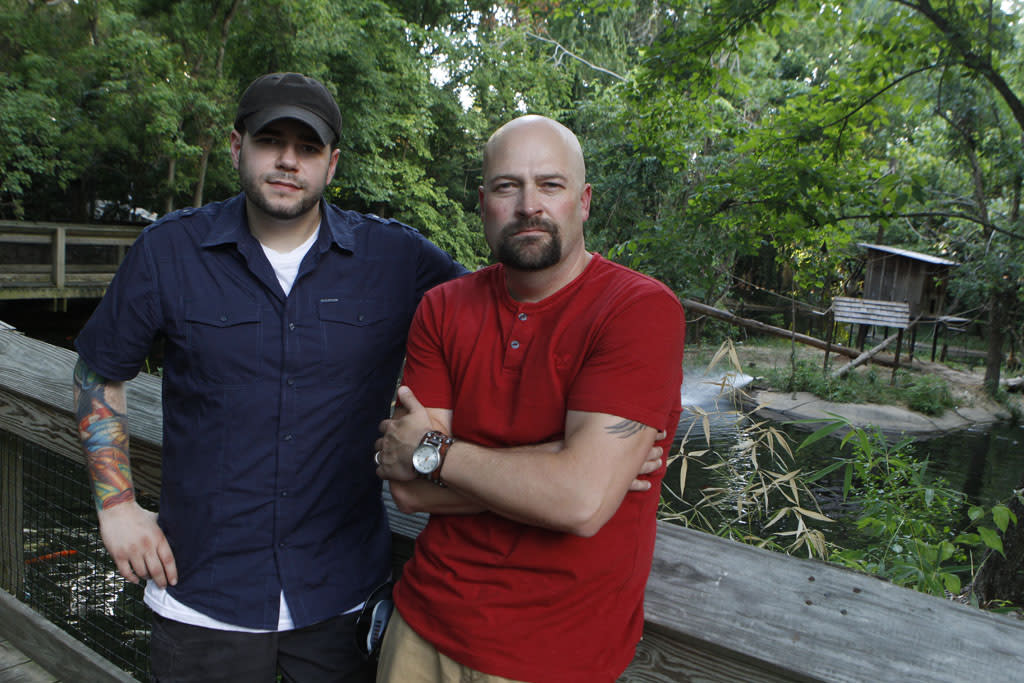 "Steve Gonsalves and Jason Hawes in the ""Ghost Hunters"" episode, ""Don't Feed the Apparition."""