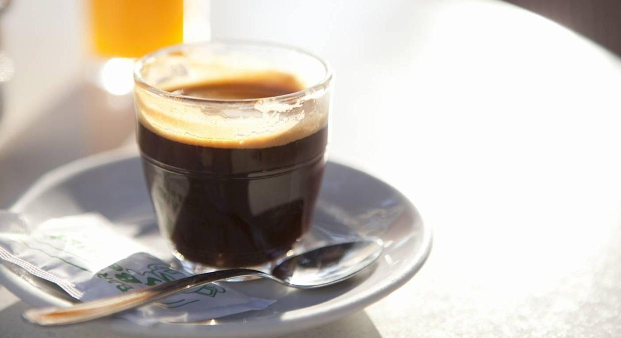 These chic coffee cups have me feeling like an Instagram influencer. (Getty Images)
