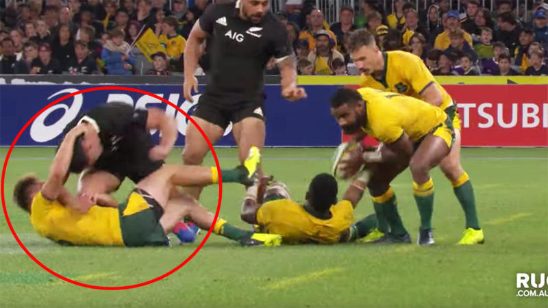 Did James O'Connor use a neck roll before Nic White scored? Image: Fox Sports