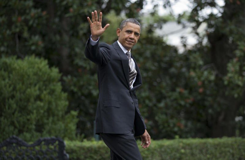 President Barack Obama walks to Marine One on the South Lawn of the White House on Sunday, Sept. 25, 2011, in Washington.  (AP Photo/Evan Vucci)