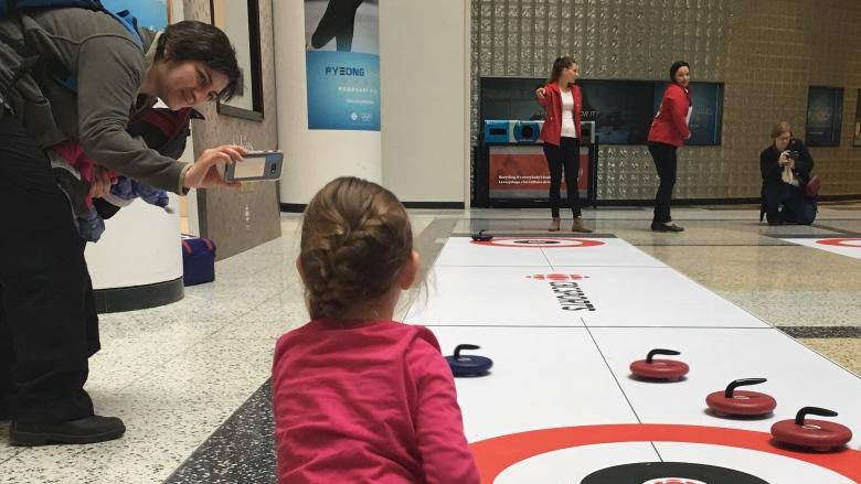 Toronto residents enjoy Olympic fun at Family Day events