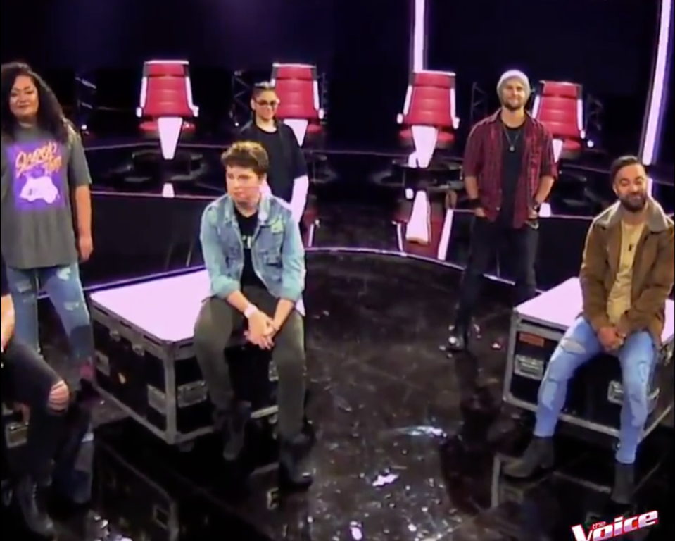 the voice social distancing