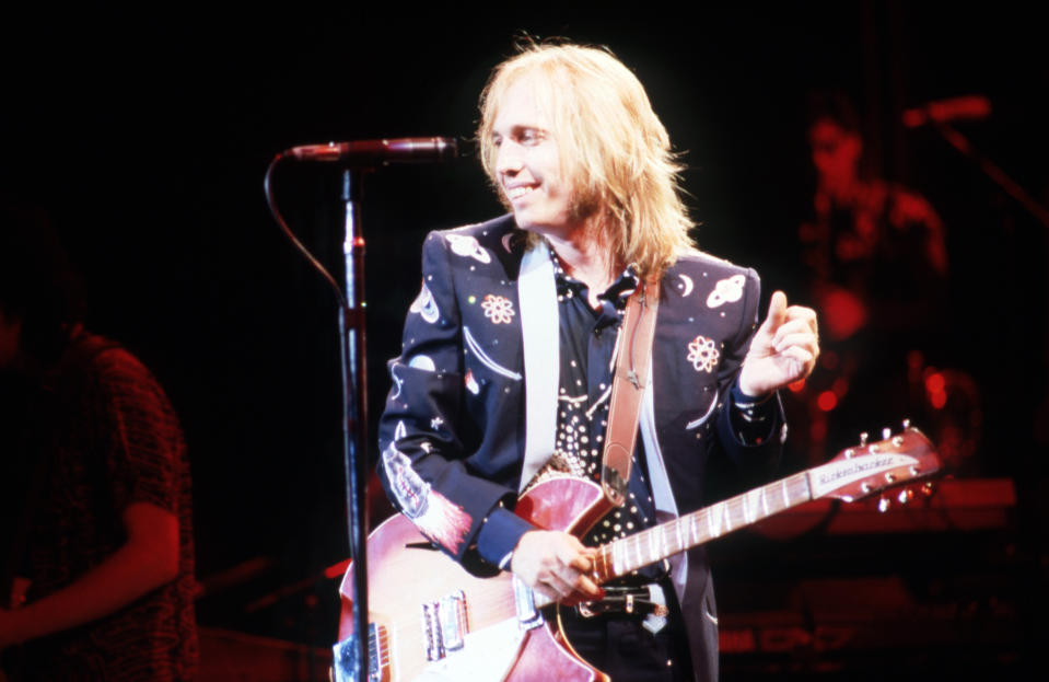 CLARKSTON, MI - JUNE 18: Tom Petty (1950-2017) of Tom Petty and the Hearbreakers perform on stage during the 1987 Rock 'N' Roll Caravan Tour on June 18, 1987, at the Pine Knob Music Theatre in Clarkston, Michigan. (Photo by Ross Marino/Getty Images)