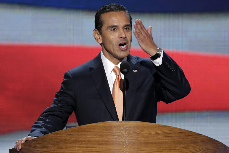Los Angeles Mayor and Democratic Convention Chairman Antonio Villaraigosa blows a kiss to he delegates at the Democratic National Convention in Charlotte, N.C., on Tuesday, Sept. 4, 2012. President Barack Obama may face the voters in two months, but several Democrats are already laying the groundwork for a future White House run. Up-and-coming Democratic stars like Maryland Gov. Martin O'Malley, Virginia Sen. Mark Warner, Booker and others, including Villaraigosa, are making the rounds before state delegations and at private events surrounding the Democratic National Convention in Charlotte. (AP Photo/J. Scott Applewhite)