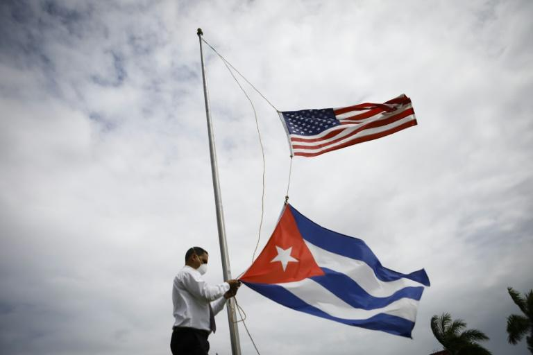 US tightens chokehold on Cuba, blocks private charter flights