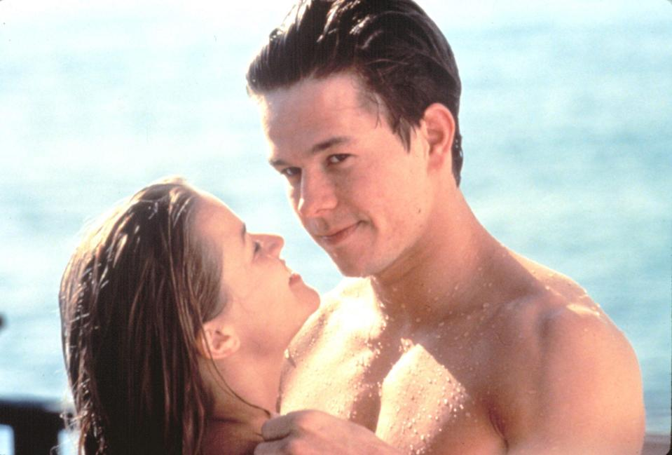 <p>Reese Witherspoon and Mark Wahlberg in <i>Fear</i></p>