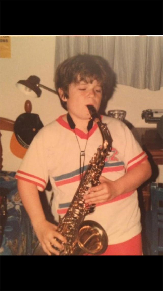 """<p>""""If it'll help #PuertoRicoRelief I'll happily #PuberMe, but all my adolescent pics are 100% awesome,"""" the comedian accurately captioned this snapshot. (Photo: <a href=""""https://twitter.com/pattonoswalt/status/913594291414491136"""" rel=""""nofollow noopener"""" target=""""_blank"""" data-ylk=""""slk:Patton Oswalt via Twitter"""" class=""""link rapid-noclick-resp"""">Patton Oswalt via Twitter</a>) </p>"""