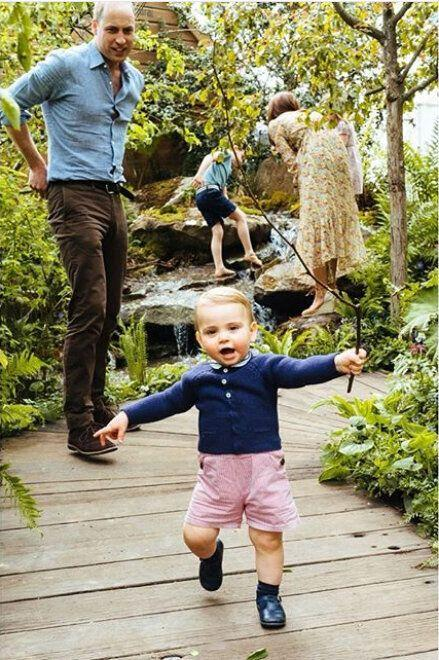 New photo of prince Louis with Prince William