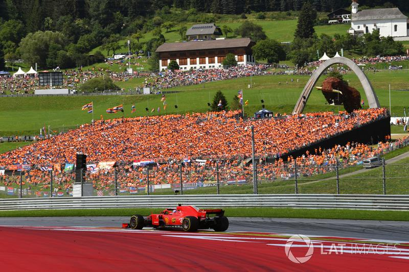 """Red Bull Ring<span class=""""copyright"""">Mark Sutton / Motorsport Images</span>"""