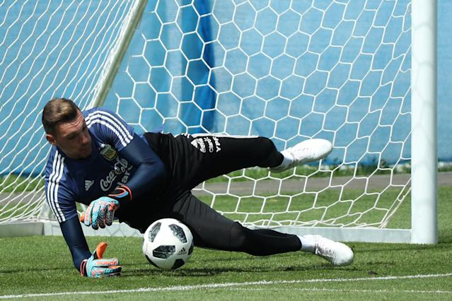 Soccer Football - World Cup - Argentina Training - Bronnitsy Training Centre, Moscow Region, Russia - June 25, 2018. Argentina's goalkeeper Franco Armani during training. REUTERS/Albert Gea