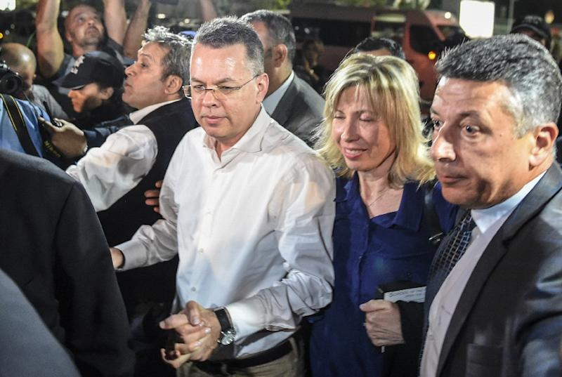 US pastor Andrew Brunson arrives at the airport in Izmir, after being freed by a Turkish court (AFP Photo/BULENT KILIC)