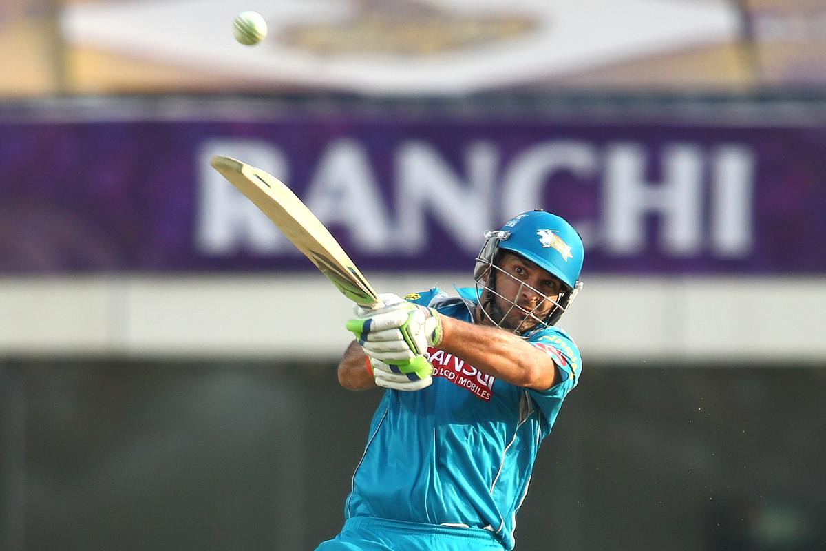 Yuvraj Singh of Pune Warriors India hits over the top foe a six during match 65 of the Pepsi Indian Premier League between The Kolkata Knight Riders and the Pune Warriors India held at the JSCA International Stadium Complex, Ranchi, India on the 15th May 2013..Photo by Shaun Roy-IPL-SPORTZPICS    ..Use of this image is subject to the terms and conditions as outlined by the BCCI. These terms can be found by following this link:..https://ec.yimg.com/ec?url=http%3a%2f%2fwww.sportzpics.co.za%2fimage%2fI0000SoRagM2cIEc&t=1506159167&sig=aqd7SUas_ZahsUIyDqXvvQ--~D