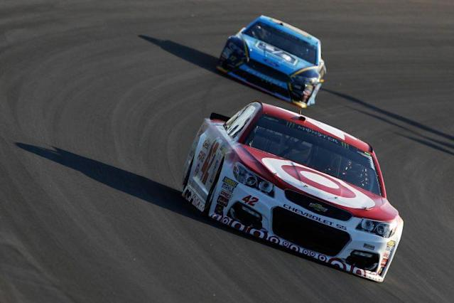 Kyle Larson left Kentucky a point ahead of Martin Truex Jr. He's now 34 points behind Truex. (Getty)