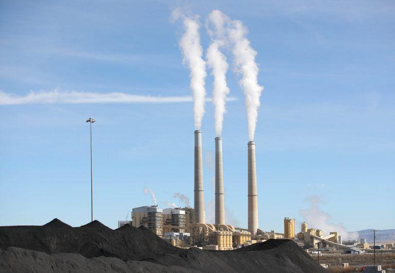 PacifiCorp's Hunter coal fired power pant releases steam as it burns coal outside of Castle Dale, Utah on November 14,  2019. - The 1,577 Megawatt power pant opened in 1978 and is one of the largest coal fired plants in the western United States. (Photo by GEORGE FREY / AFP) (Photo by GEORGE FREY/AFP via Getty Images)