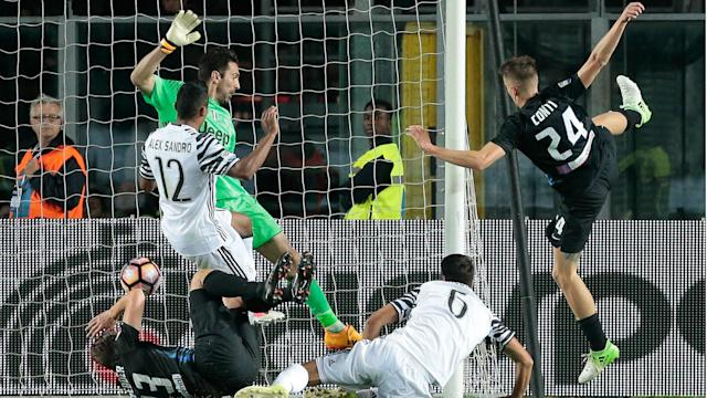 Gianluigi Buffon's blunder proved costly as Remo Freuler's late goal held Serie A champions Juventus to a 2-2 draw against Atalanta.