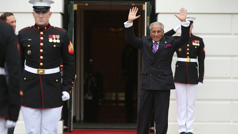 Pakistan PM sacks Tariq Fatemi over Dawn Leaks Controversy