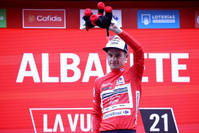 Frenchman Kenny Elissonde takes the overall Vuelta lead