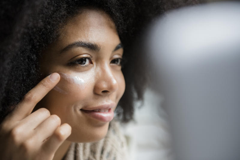 When Using Moisturizers With Sunscreen, Don't Miss Around the Eyes