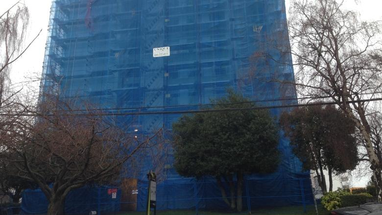 Residents finally return home to Victoria, B.C. tower evacuated over asbestos fears