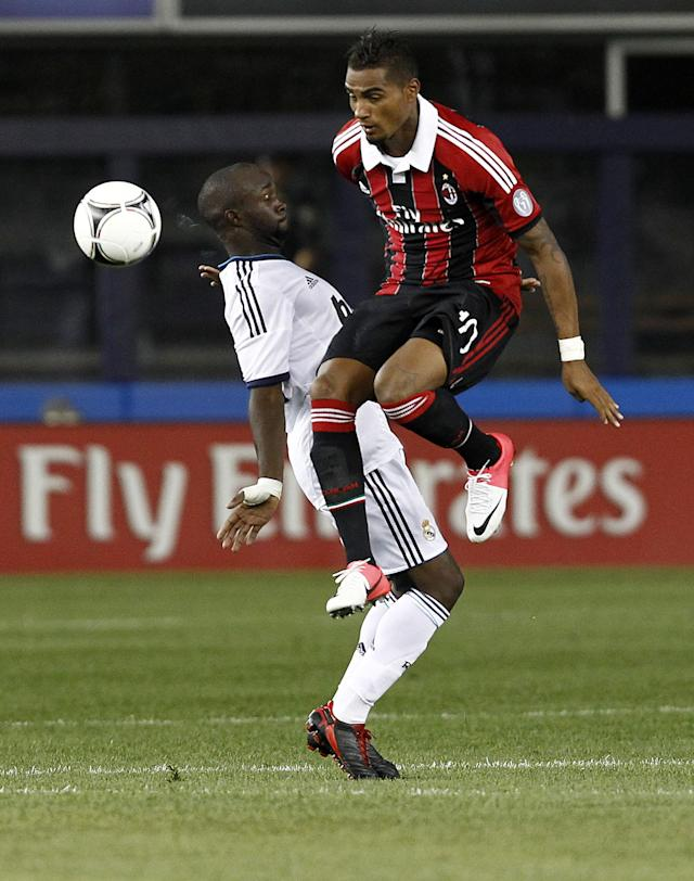 NEW YORK - AUGUST 08: Kevin-Prince Boateng #10 of A.C. Milan challenges Lassana Diarra #24 of Real Madrid during their match at Yankee Stadium on August 8, 2012 in New York City. (Photo by Jeff Zelevansky/Getty Images)