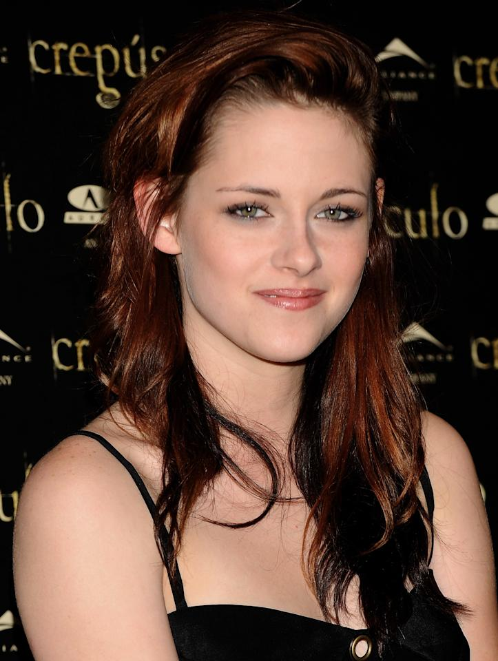 <p>Rocking tousled locks, rosy cheeks and a subtle smoky eye, Stewart looked fresh and youthful in 2008.</p>