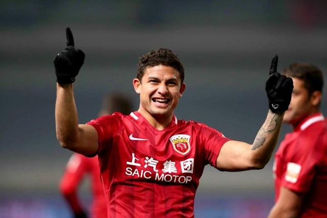 Brazilian-born forward Elkeson has been named in China's national squad. (AFP Photo/STR)