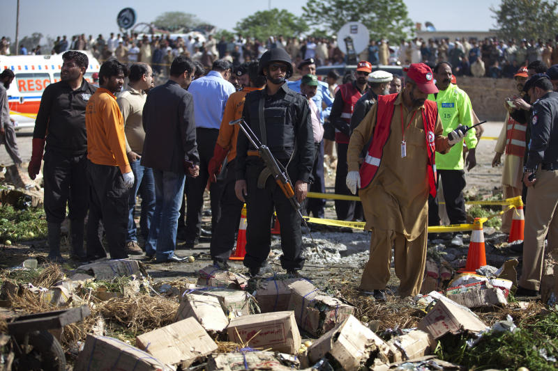 essay bomb blast pakistan New wave of terrorist attacks casts doubt on pakistan's security forces two more bomb attacks were carried out in the city of quetta and a bomb blast in.