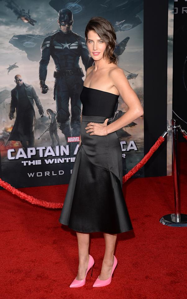 """HOLLYWOOD, CA - MARCH 13: Actress Cobie Smulders arrives for the premiere of Marvel's """"Captain America: The Winter Soldier"""" at the El Capitan Theatre on March 13, 2014 in Hollywood, California. (Photo by Jason Merritt/Getty Images)"""