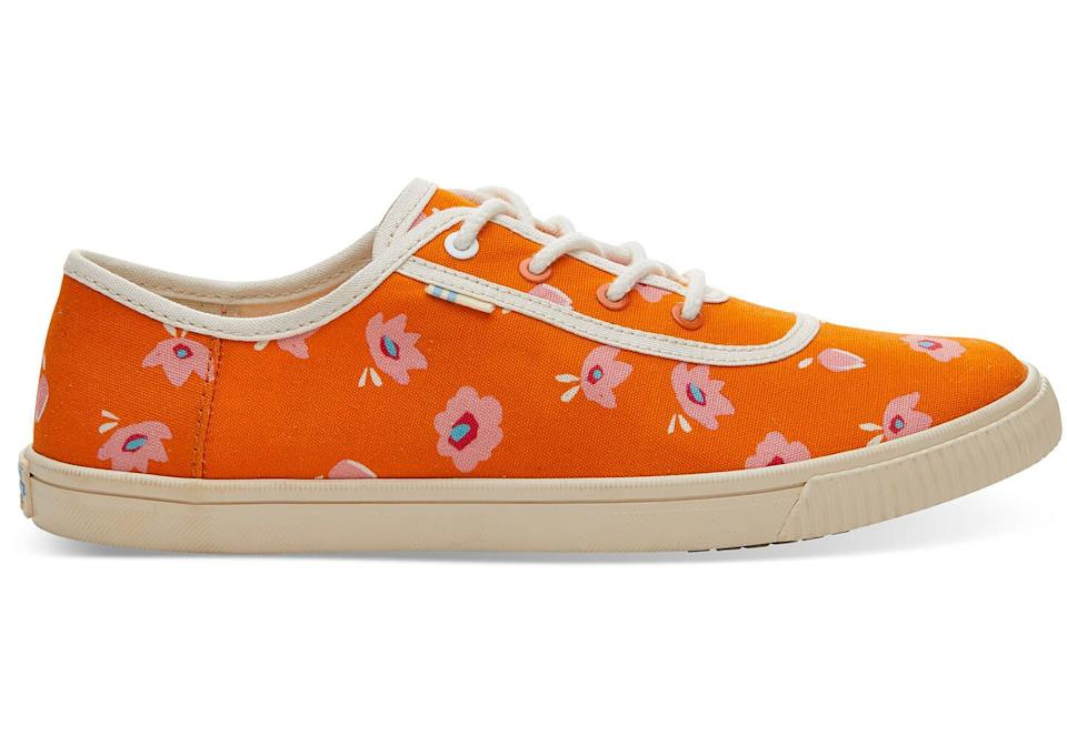"""<h3><a href=""""https://www.toms.com/featured-shops/persimmon-spring-flower-print-womens-carmel-sneakers-topanga-collection"""" rel=""""nofollow noopener"""" target=""""_blank"""" data-ylk=""""slk:TOMS"""" class=""""link rapid-noclick-resp"""">TOMS</a> </h3><p><strong>Dates:</strong> Now - ?<br><strong>Sale:</strong> Sneaker and slip-on markdowns<br><strong>Promo Code:</strong> None</p><p>We spied some sunny sneakers, slip-ons, and sandals in the giving-back footwear-maker's sale section, which may help you convey any """"not ready to let go of summer"""" emotions stylishly.</p><br><br><strong>TOMS</strong> Carmel Sneakers, $34.99, available at <a href=""""https://www.toms.com/featured-shops/persimmon-spring-flower-print-womens-carmel-sneakers"""" rel=""""nofollow noopener"""" target=""""_blank"""" data-ylk=""""slk:Backcountry"""" class=""""link rapid-noclick-resp"""">Backcountry</a>"""