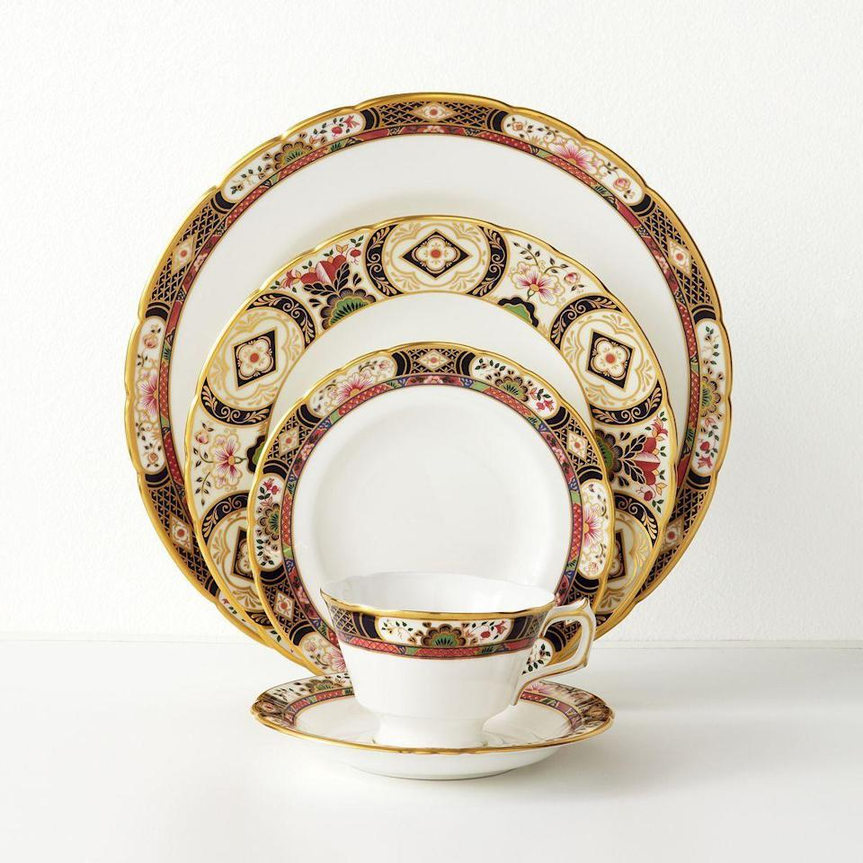 "<p><strong>Royal Crown Derby</strong></p><p>bloomingdales.com</p><p><a href=""https://go.redirectingat.com?id=74968X1596630&url=http%3A%2F%2Fwww1.bloomingdales.com%2Fshop%2Fproduct%2Froyal-crown-derby-chelsea-garden%3FID%3D83203&sref=https%3A%2F%2Fwww.housebeautiful.com%2Fentertaining%2Fholidays-celebrations%2Fg22778748%2Fthanksgiving-dinnerware%2F"" rel=""nofollow noopener"" target=""_blank"" data-ylk=""slk:BUY NOW"" class=""link rapid-noclick-resp"">BUY NOW</a></p><p><em>$76 and up</em></p><p>The intricate design on these Royal Crown Derby dinnerware pieces is perfect for even the most upscale Thanksgiving table.</p>"