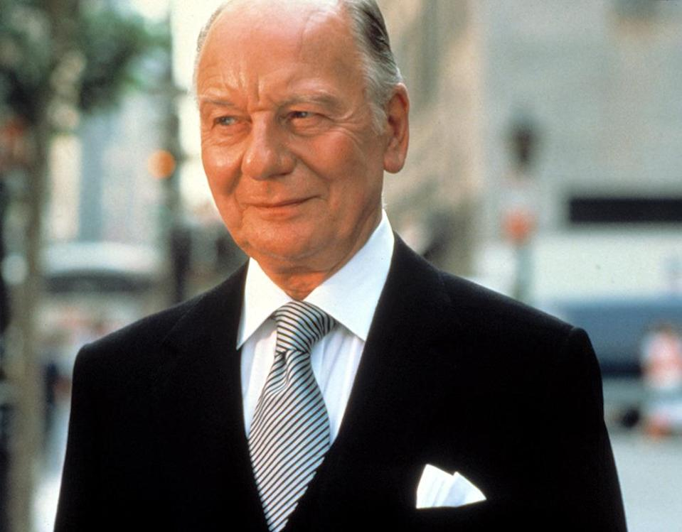 """<p>The average age of the four Oscar-winning actors at the 1982 Academy Awards was 70.8, so perhaps it's no shock that among the veteran quartet, only the spry, 56-year-old Maureen Stapleton attended. Then again, Gielgud, who prevailed for <i>Arthur</i>, was hardly decrepit: The prolific actor was <a href=""""https://news.google.com/newspapers?nid=1144&dat=19820330&id=G9gcAAAAIBAJ&sjid=914EAAAAIBAJ&pg=6970,7242797&hl=en"""" rel=""""nofollow noopener"""" target=""""_blank"""" data-ylk=""""slk:said to be at work"""" class=""""link rapid-noclick-resp"""">said to be at work</a> at the time on another film.</p><p>(<i>Arthur</i>; photo: Everett Collection)</p>"""