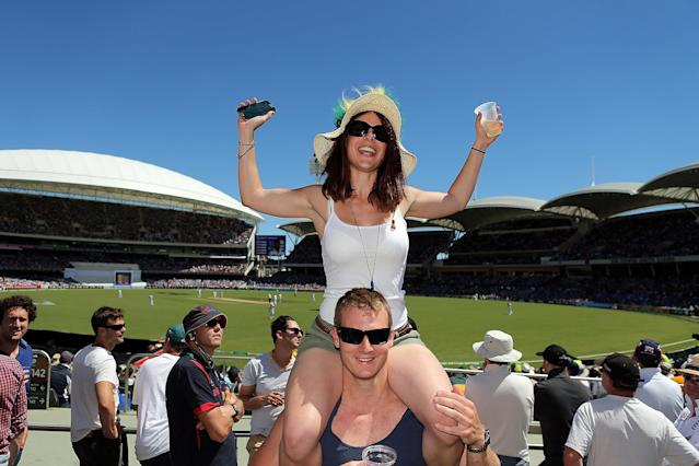 ADELAIDE, AUSTRALIA - DECEMBER 06: Spectators enjoy the atmosphere during day two of the Second Ashes Test Match between Australia and England at Adelaide Oval on December 6, 2013 in Adelaide, Australia. (Photo by Morne de Klerk/Getty Images)