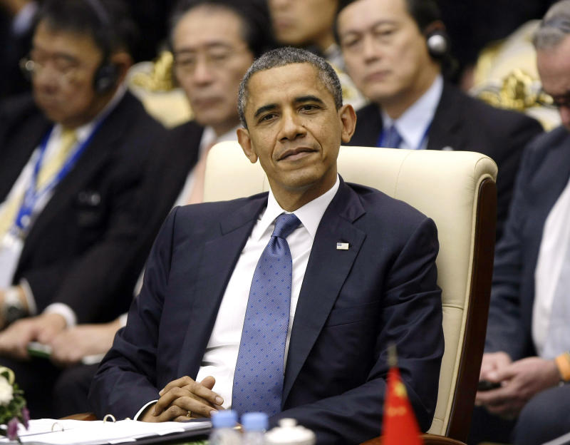 Obama wades into thorny Asian territorial row