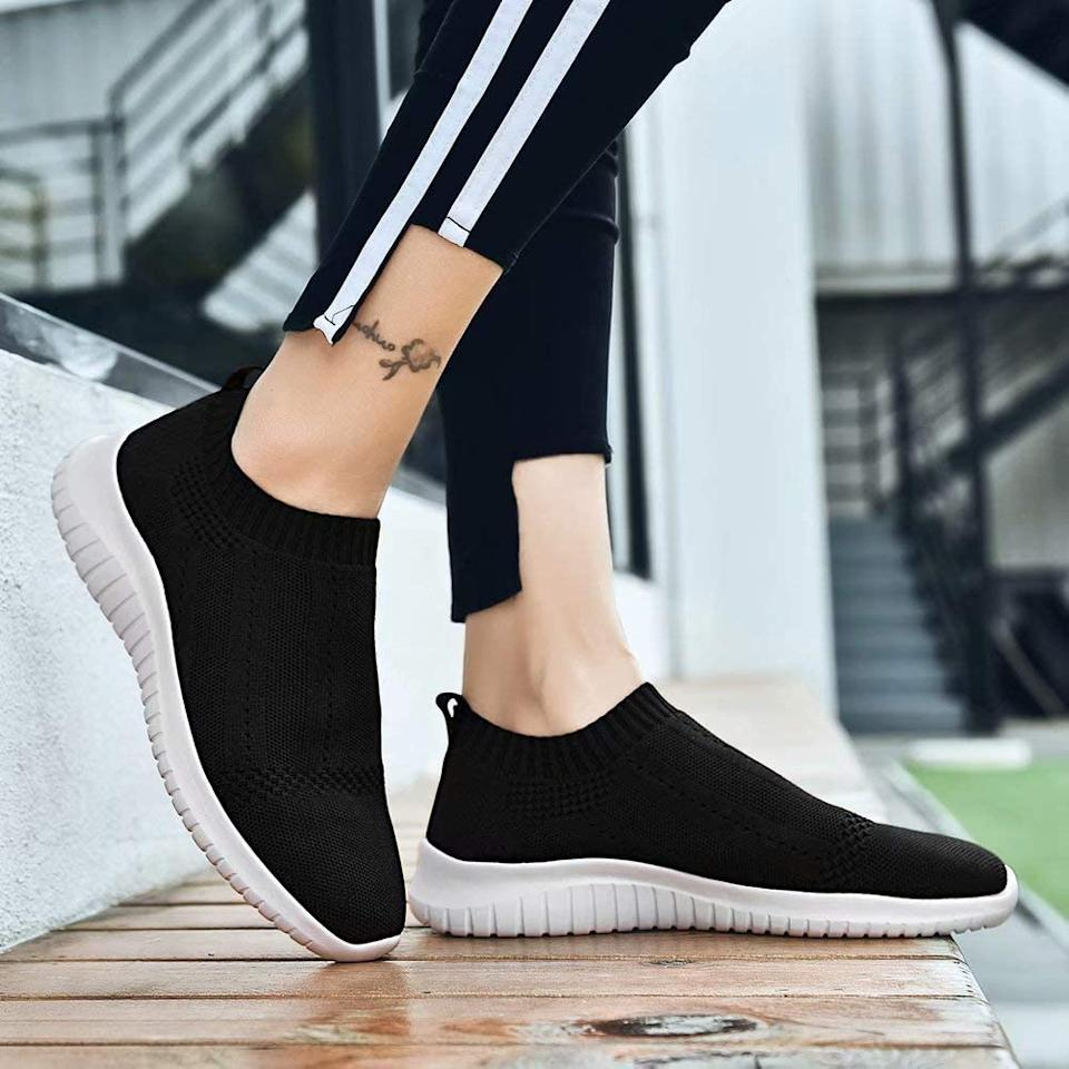 In black, the Konhill sneakers have a chic, sleek vibe — and look way more expensive than they are. (Photo: Amazon)