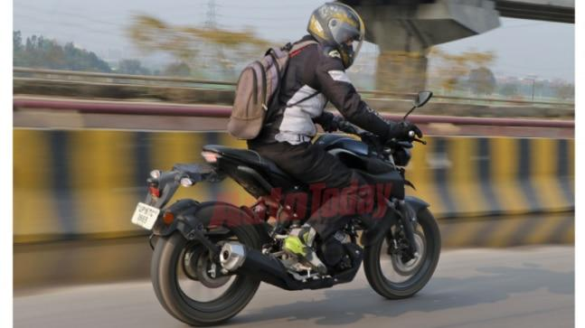 Yamaha MT-15 will feature a liquid-cooled, single-cylinder, 155 cc motor with high compression ratio producing 19.3 PS of power at 10,000 rpm and 14.7 Nm of torque at 8,500 rpm.