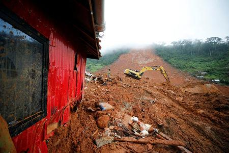 More than 300 dead, 700 missing after Sierra Leone mudslide