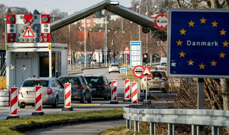 In practice, asylum seekers would have to submit an application in person at the Danish border and then be flown to an asylum centre outside Europe while their application is being processed