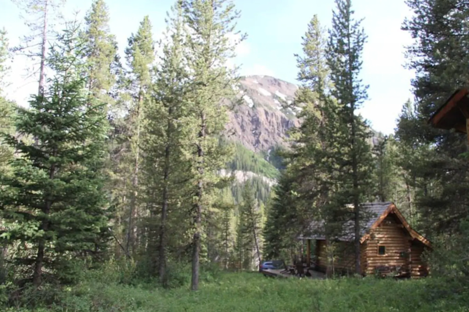 """<h2>Yellowstone National Park, Montana</h2><br><strong>Location:</strong> Cooke City-Silver Gate, Montana<br><strong>Sleeps: </strong>2<br><strong>Price Per Night: </strong><a href=""""https://airbnb.pvxt.net/7mX7J5"""" rel=""""nofollow noopener"""" target=""""_blank"""" data-ylk=""""slk:$167"""" class=""""link rapid-noclick-resp"""">$167</a><br><br>""""Our cabin is waiting for you just one mile from the entrance to Yellowstone National Park and two miles from Cooke City. It's the perfect cabin for anyone who wants to write, hike, fish, or explore Yellowstone. Spare but delightful, the cabin provides all the necessary amenities — TV, phone, one full bed, a bathroom, and a full kitchen."""" *<br><br><h3><a href=""""https://airbnb.pvxt.net/7mX7J5"""" rel=""""nofollow noopener"""" target=""""_blank"""" data-ylk=""""slk:Book Walden Cabin Yellowstone"""" class=""""link rapid-noclick-resp"""">Book Walden Cabin Yellowstone</a></h3><span class=""""copyright"""">Photo: Courtesy of Airbnb.</span>"""