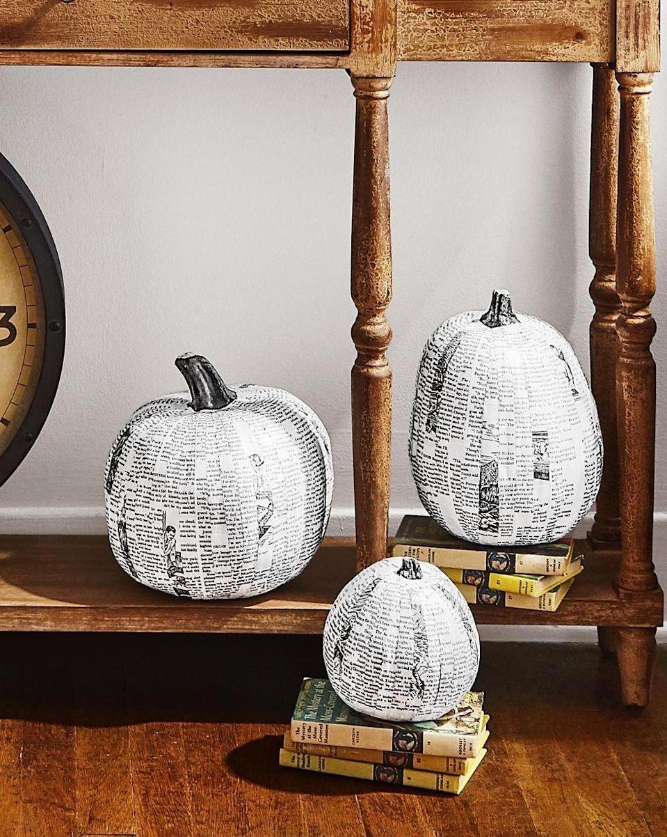 <p>Bust out the Mod Podge! Upcycle old newspapers, books, and magazines with this easy pumpkin project. </p>