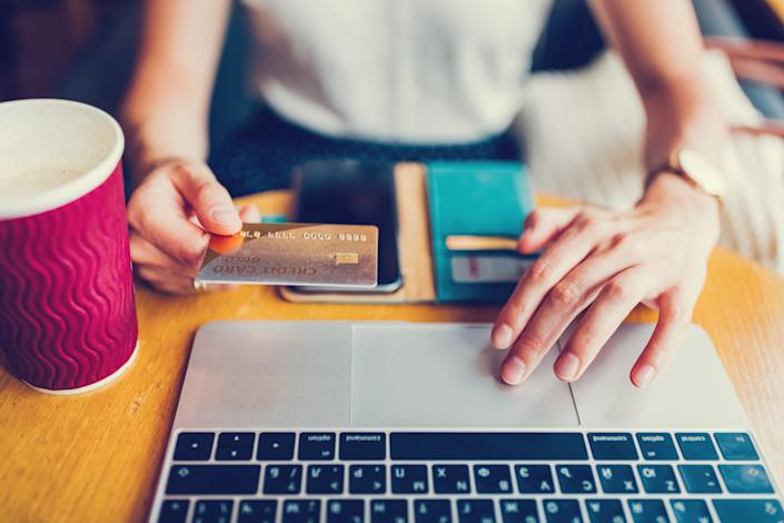 """Some online subscriptions work like big-box stores: It's cheaper if you buy in quantity. But ― again, like shopping in a big-box store ― why spend money on something that you won't really use?<br /><br />For example, consider all those sites designed to help you <a href=""""https://www.huffingtonpost.com/entry/romance-scams-online-fbi-facebook_us_59414c67e4b0d318548666f9"""" data-rapid-parsed=""""slk"""">check out the new prospects</a>you meet on<a href=""""https://www.huffingtonpost.com/topic/dating"""" target=""""_blank"""" data-rapid-parsed=""""slk"""">online dating sites</a>.Most sell their services """"in bulk."""" <br /><br />If you are constantly vetting people, maybe the longer plans make sense. But if you're using these services to check out dating prospects, will you still be looking into the backgrounds of a lot of strangers in three months?"""
