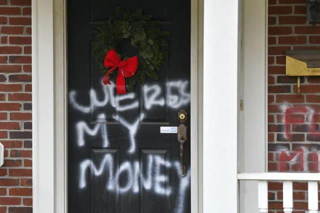 Vandals target homes of McConnell and Pelosi after Covid aid bill fails