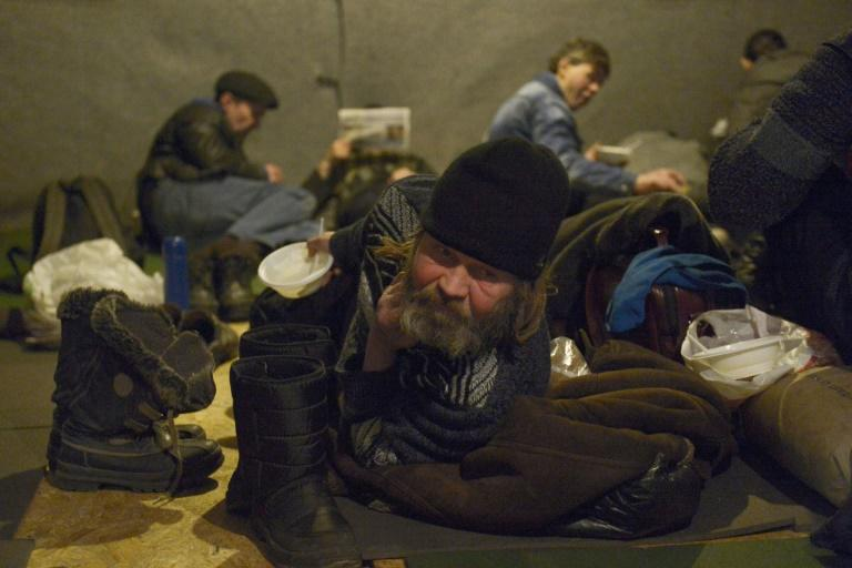 Providing a heated tent to shelter homeless people in Saint Petersburg, NGO Nochlezhka also hands out hot meals five times a week